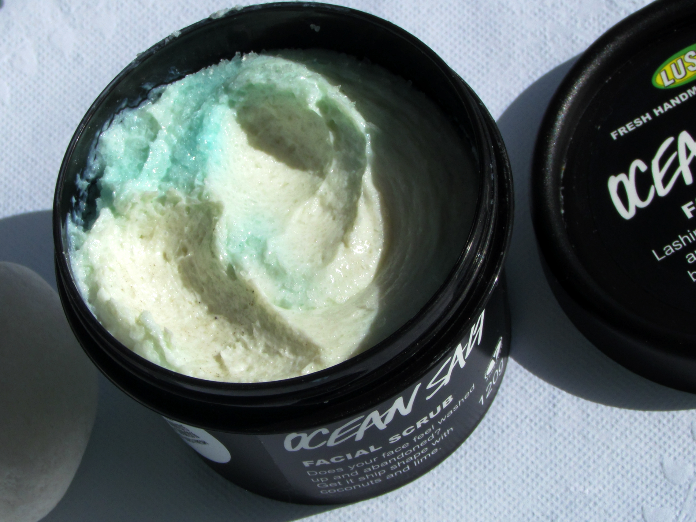 LUSH Ocean Salt Facial Scrub | Review
