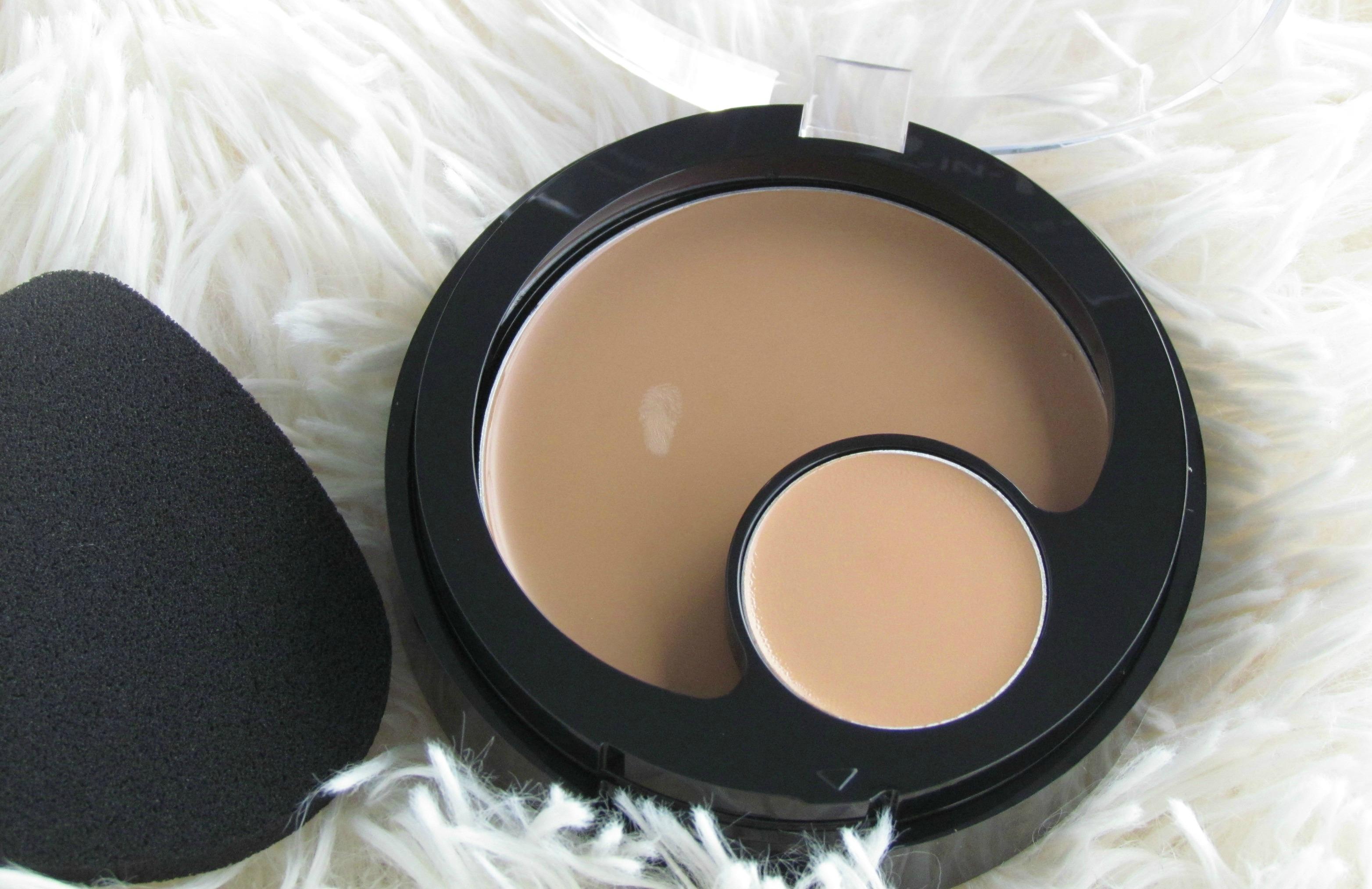 Revlon Colorstay 2-in-1 Compact Makeup & Concealer – 330 Natural Tan, 310 Warm Golden