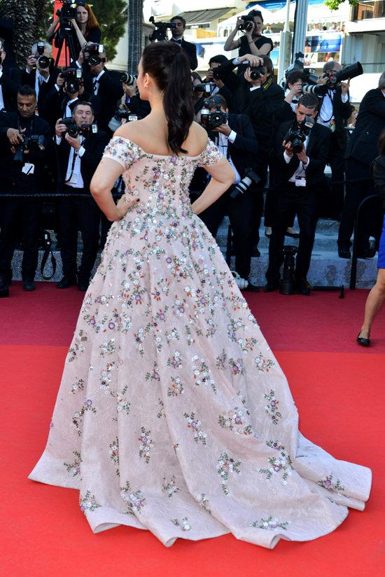 Aishwarya-Rai-Cannes-Film-Festival-2016-Red-Carpet-Fashion-Rami-Kadi-Couture-Tom-Lorenzo-Site-9