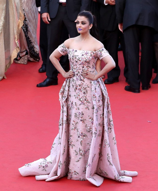 """CANNES, FRANCE - MAY 15: Aishwarya Rai attends the """"From The Land Of The Moon (Mal De Pierres)"""" premiere during the 69th annual Cannes Film Festival at the Palais des Festivals on May 15, 2016 in Cannes, France. (Photo by Andreas Rentz/Getty Images)"""