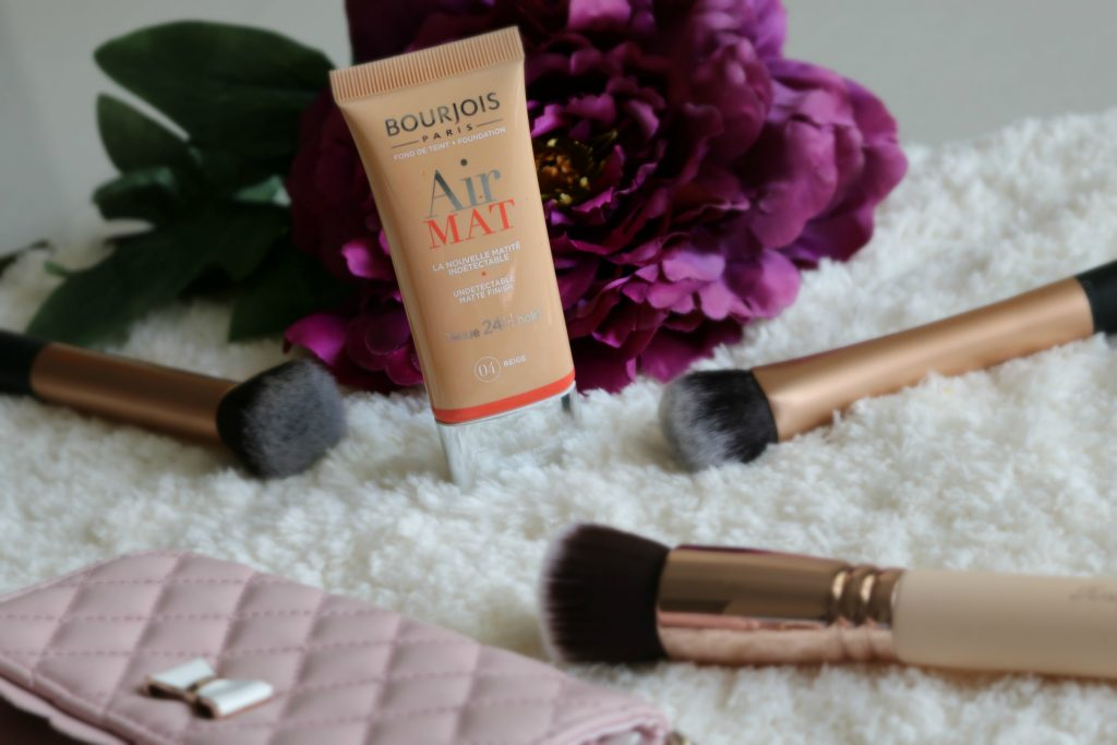 Bourjois Bourjois Air Mat foundation swatches