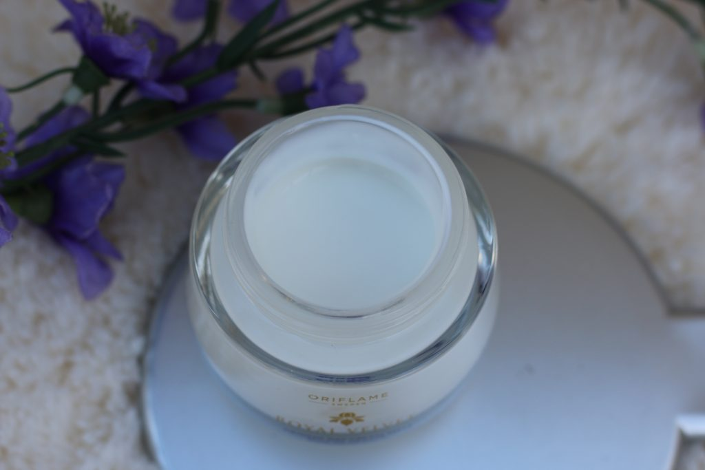 oriflame royal velvet spf 15 firming day cream price