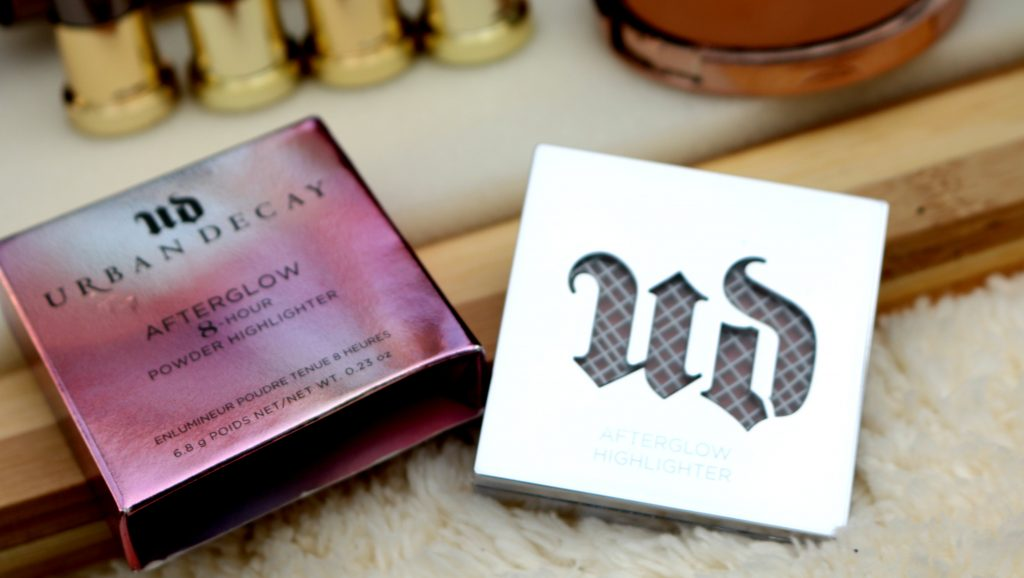 urban decay afterglow 8-hour powder highlighter review, urban decay afterglow 8-hour powder highlighter, urban decay highlighter review, urban decay afterglow powder highlighter fireball, urban decay fireball highlighter review