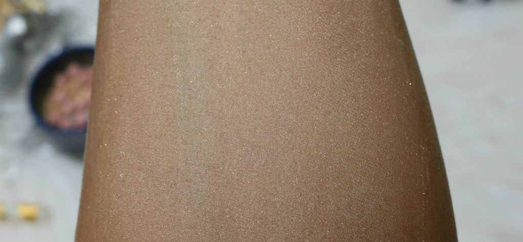 Guerlain Météorites Illuminating Powder Pearls | Swatch , All shades blended together
