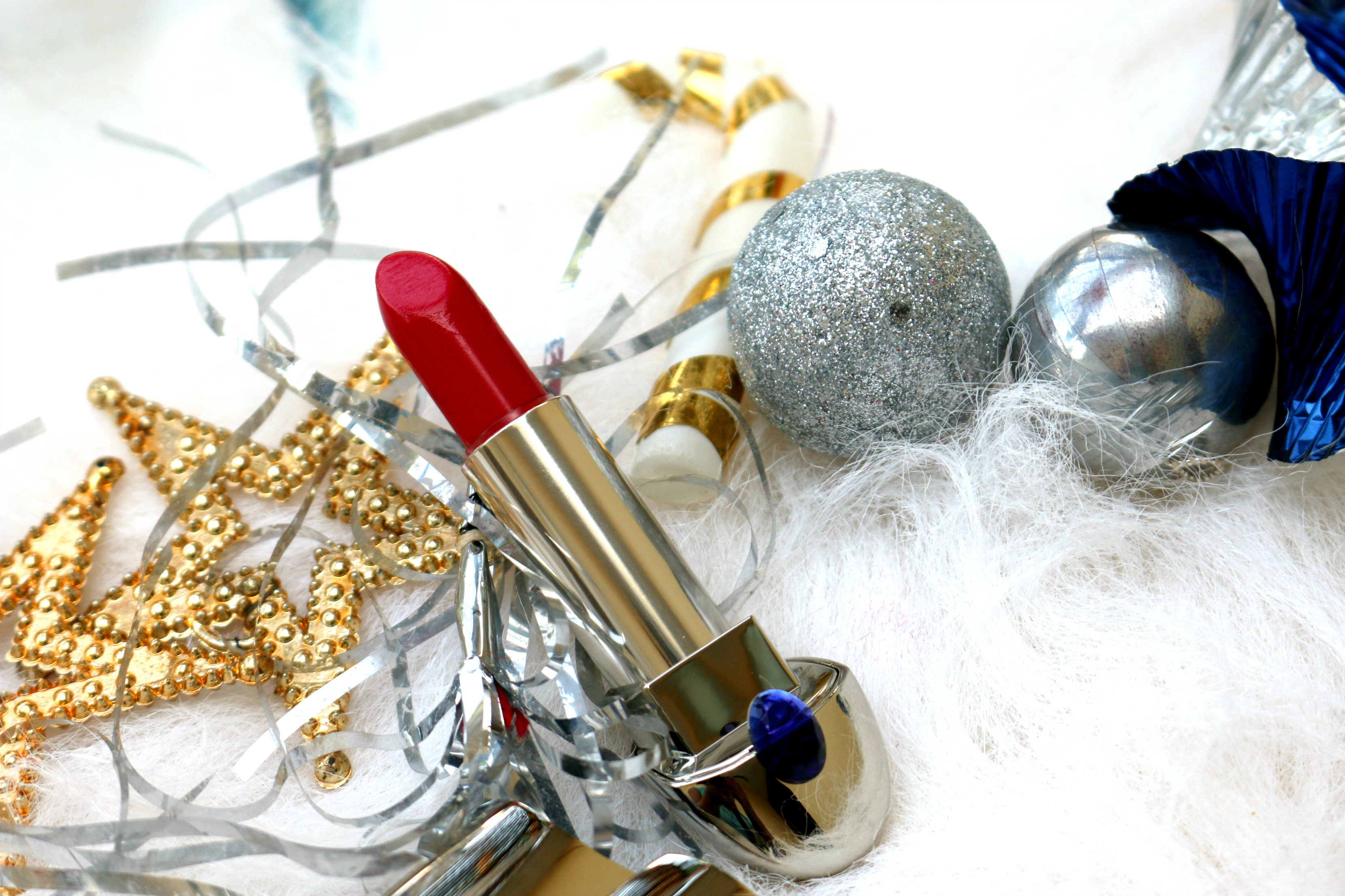 Guerlain Rouge Exceptional Complete Lipstick – 821 Rouge Saphir