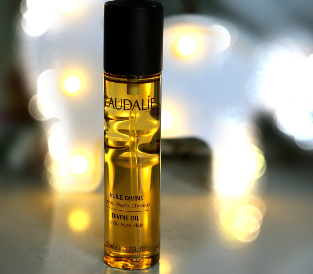 divine oil by caudalie,caudalie divine oil , caudalie oil, caudalie facial elixir,caudalie divine oil review blog, caudalie divine oil acne, best caudalie facial oil,caudalie divine oil ingredients, caudalie divine oil online, caudalie huile divine oil